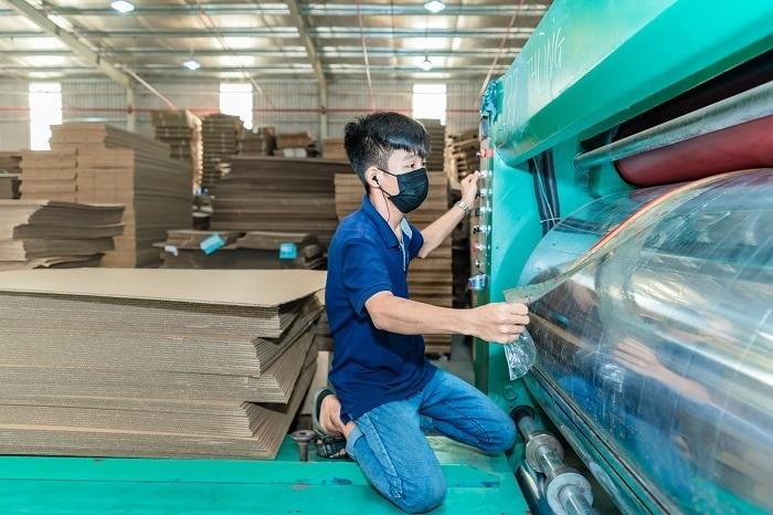 Màu sắc của thùng carton cũng là yếu tố được quan tâm